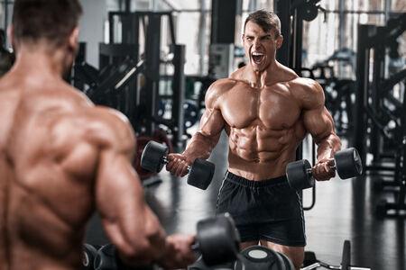 強くなるなら格闘技より筋トレの方が効率いいよなwww