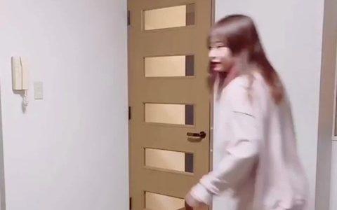 【動画】東大女子、お家でミニスカで涼宮ハルヒの憂鬱の「最強パレパレード」を踊る