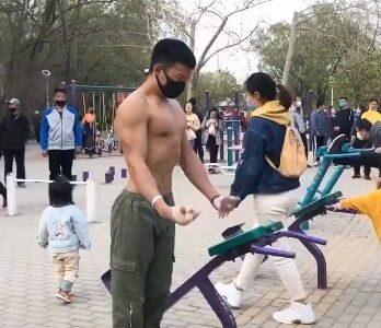 【動画】中国のマッチョが凄すぎる。やはり今もビックリ人間の宝庫だった