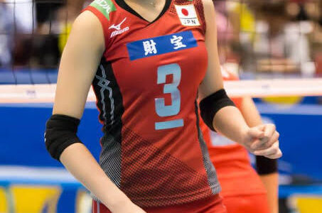【悲報】元女子バレー日本代表の木村沙織さんがボールを3つ使ってプレーしてたらしい事が調査により判明