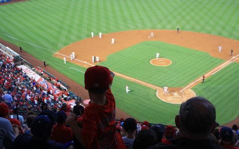 """【悲報】 アメリカ 「野球というスポーツはとても""""自閉症""""向きである事がわかった」"""
