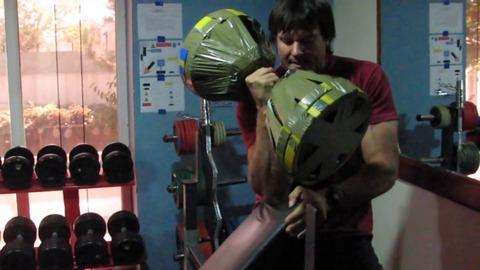 【朗報】アームレスリング(腕相撲)ヘビー級の世界チャンピオンのトレーニングをご覧下さい