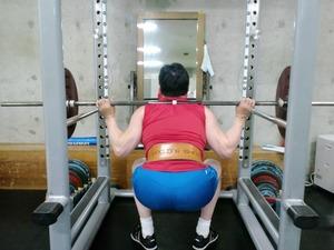 スクワット45kgで腰痛めてワロタ...