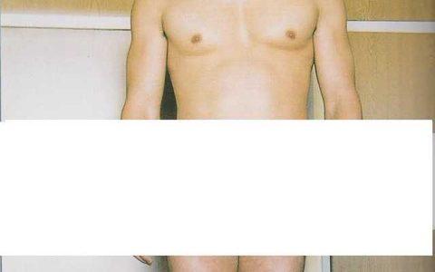 【朗報】Aカップ筋肉質ヌードが意外とヱロい