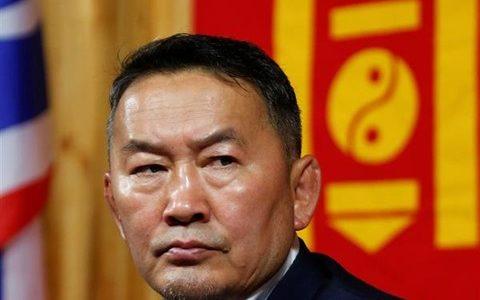 【恵体】 モンゴル大統領バトトルガさん、ガチで強そうwwwwww