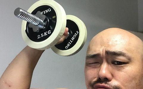 クロちゃん(171cm108kg、趣味筋トレ、1日10000kcal摂取)「君ネットで僕のこと馬鹿にしたしんねえ?」