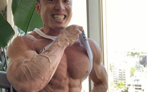 なかやまきんに君の筋肉がヤバいと話題にwwwwwwww