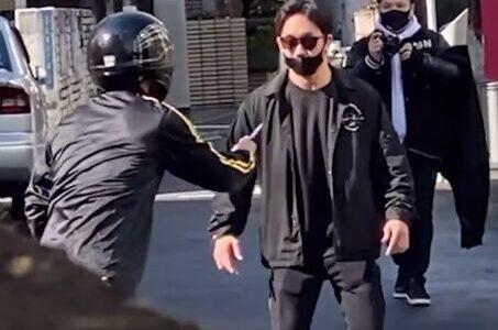 【動画有】ナイフ持った素人vsプロ格闘家は、素人が勝つ。