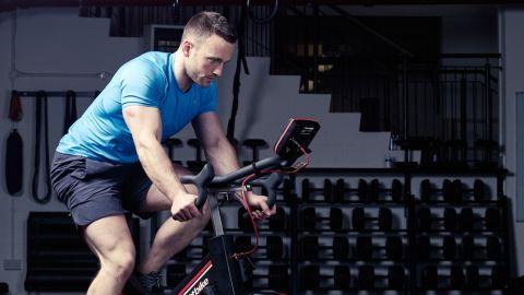 【悲報】スポーツジムで自転車こぐやつを1時間ほど使ってたら他の利用者に「他の人も待ってるんでいい加減にしてください」って注意された