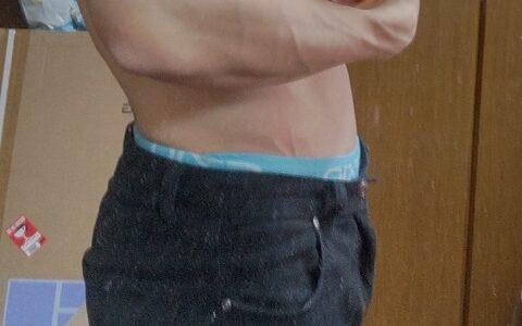 ワイ筋トレ8ヶ月目の腕周りwwwww
