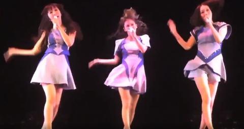 【動画】パフューム、ダンスの演出が凄すぎて話題wvuwvuwvuwvuwvuwvu