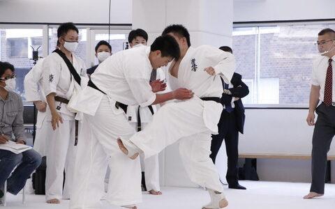 【悲報】極真空手の過酷な荒行100人組手に挑んだ上田幹雄、60人目で無念のドクターストップ