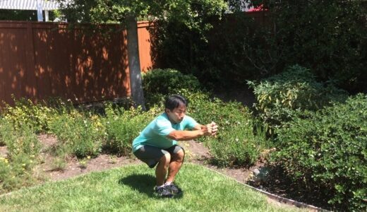 「片足スクワット」の効果と正しいやり方、トレーニングメニュー