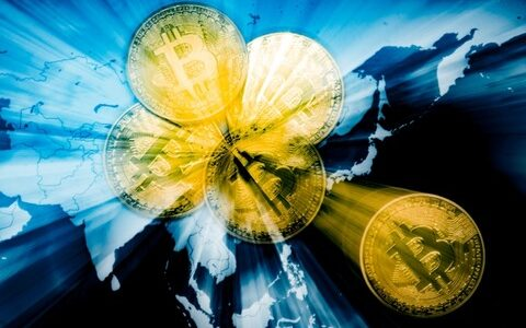 ヘッジファンドはショートポジションを解消、過去の強気サイクルから逸脱するビットコイン