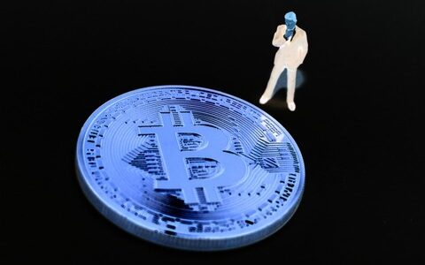 ビットコインは横ばい、パウエルFRB議長が議会で暗号資産に言及