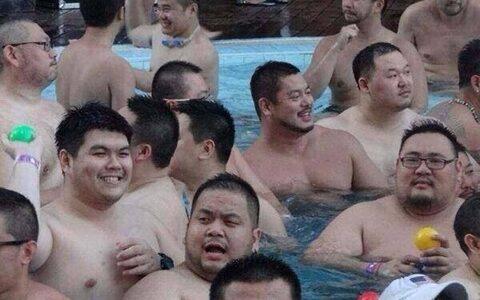 【朗報】エチエチまんさんだらけのプール、めちゃくちゃエロいw